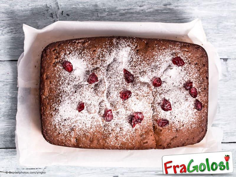 Plum cake alla frutta secca