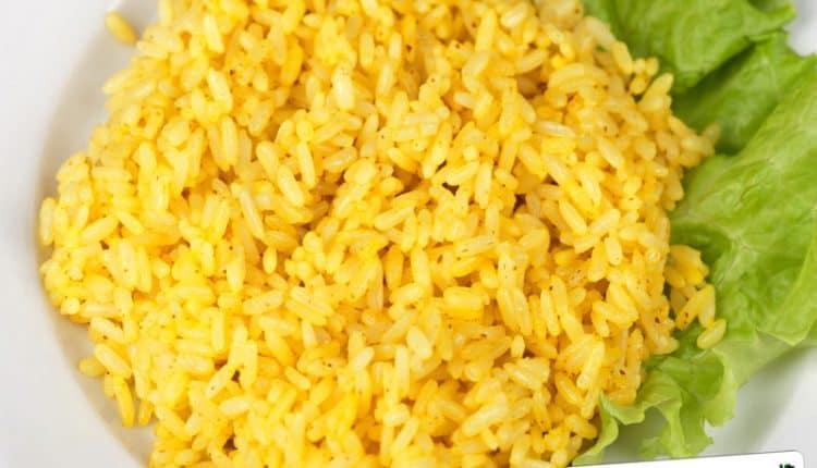Riso con salsa profumata al curry