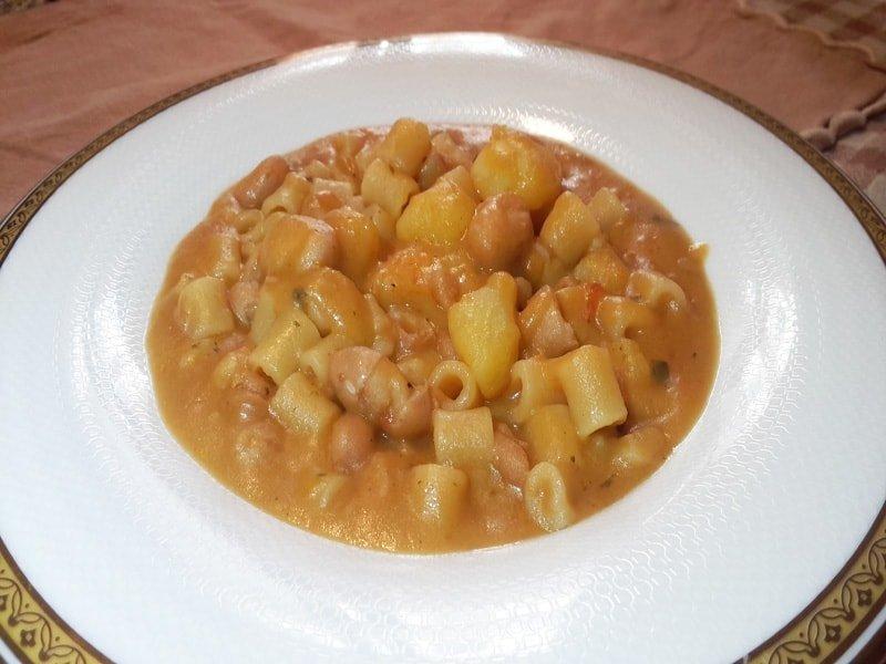 Pasta con Fagioli e Patate