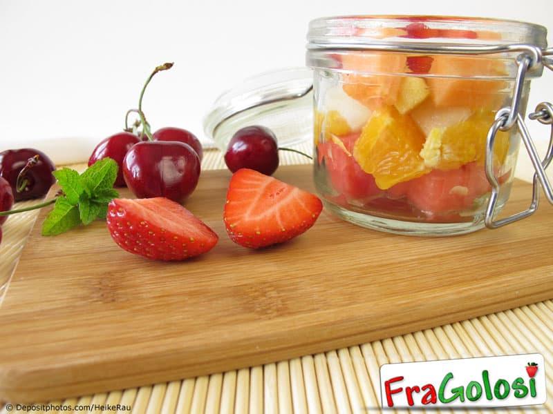 Macedonia di frutta sotto alcool