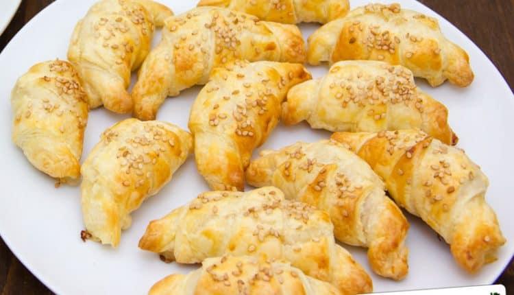 Croissant con prosciutto formaggio e besciamella