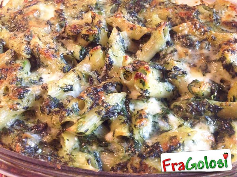 Pasticcio di pasta gratinata con besciamella e spinaci