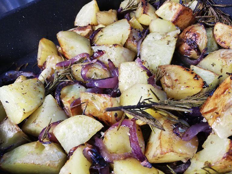 Patate al Forno con Erbe Aromatiche