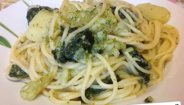 Spaghetti con patate e broccoli