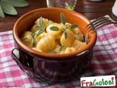 Gnocchi con Burro, Salvia e Noce Moscata