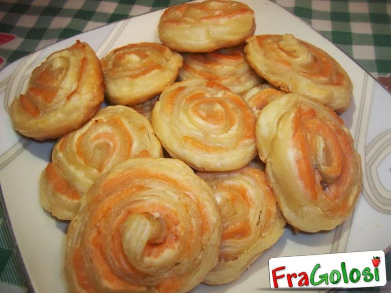 Ricetta Girelle di Pasta Sfoglia al Salmone
