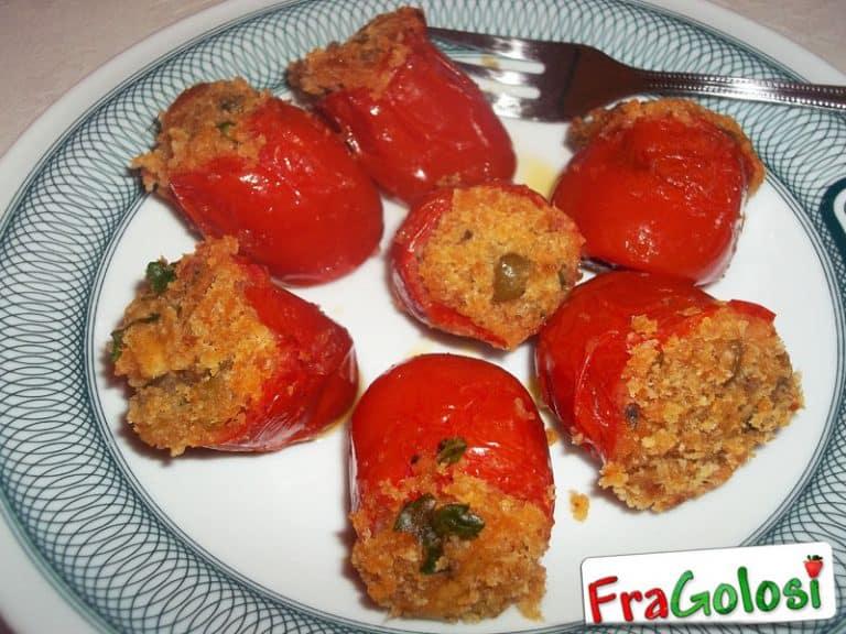 Pomodori con tuma e mollica