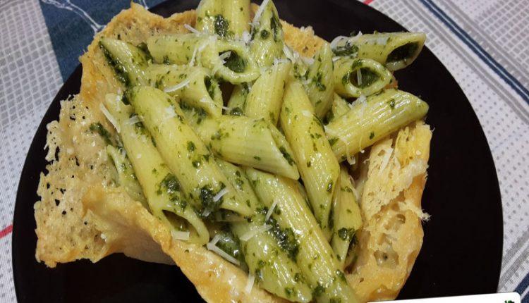 Pasta al Pesto in Cialda di Parmigiano