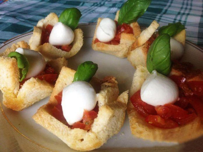 Cestini con Pomodori e Mozzarella