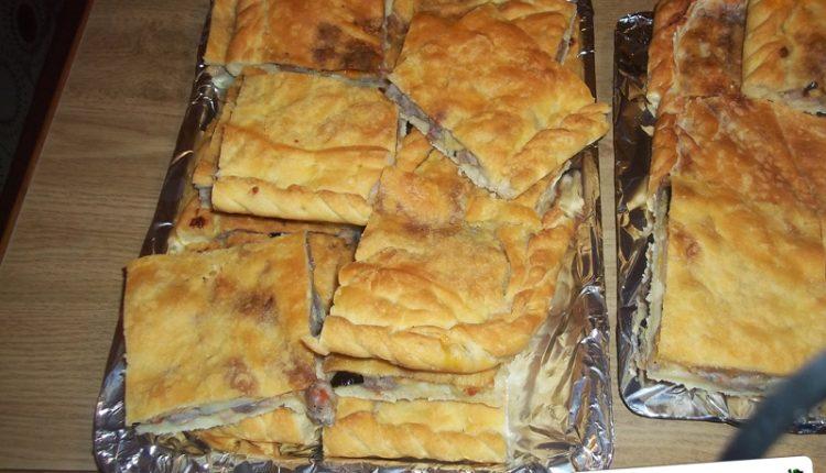 Scacciata con Salsiccia, Patate e Tuma