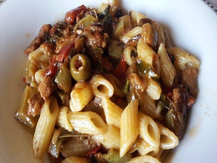 Pasta Con Zucchine Pesce Spada E Acciughe La Ricetta Passo Passo Di