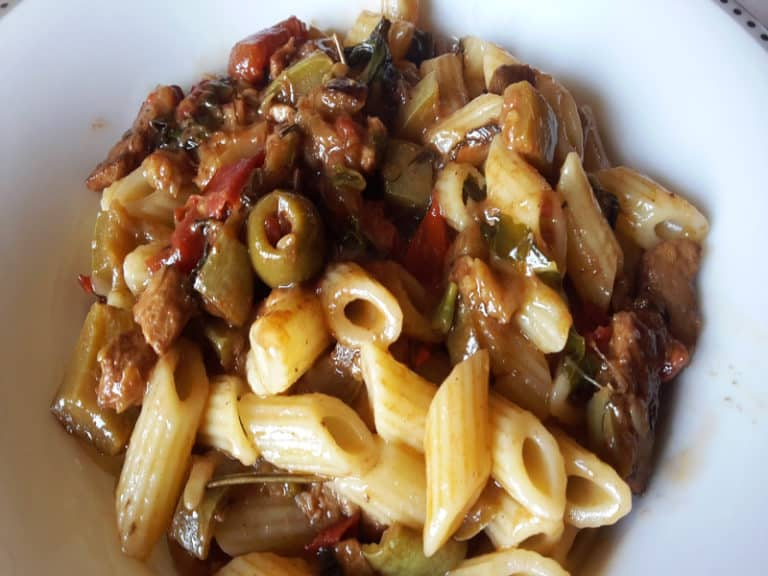 Pasta con Zucchine, Pesce Spada e Acciughe