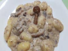 Gnocchi Salsiccia e Funghi