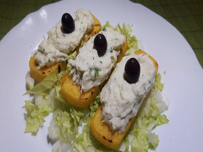 Crostini di Polenta con Baccalà Mantecato