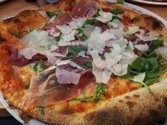Pizza Prosciutto Crudo Rucola e Parmigiano