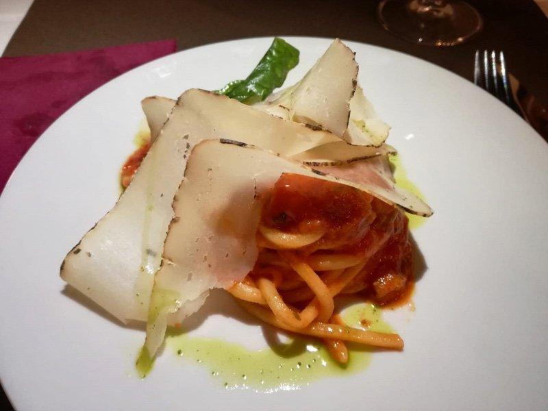 Spaghetti al Pomodoro con Provola