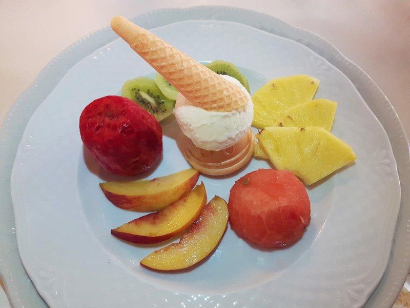 Come servire il Gelato con La Frutta