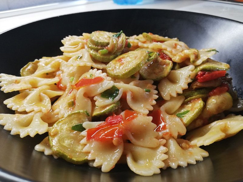 Pasta zucchine e pomodorini bimby