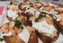 Bruschette con Burrata e Salmone