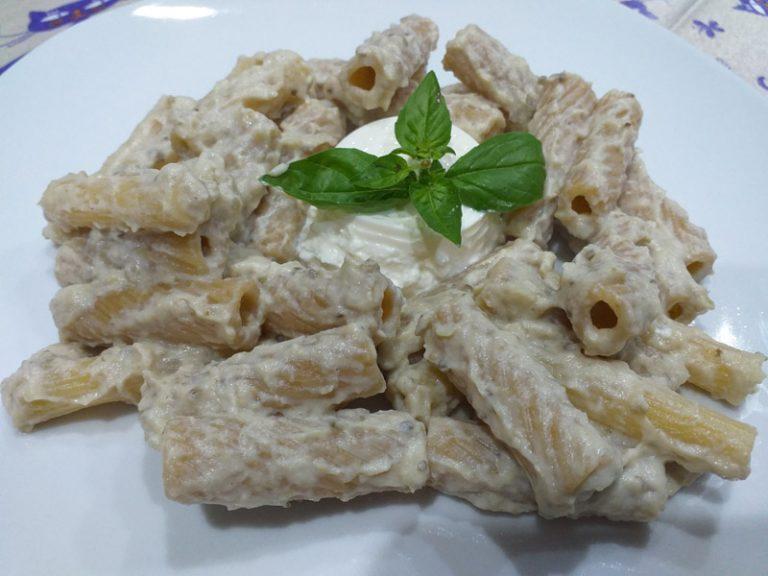Pasta con Crema di Melanzane e Ricotta