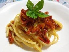 Pasta con Pomodori Secchi
