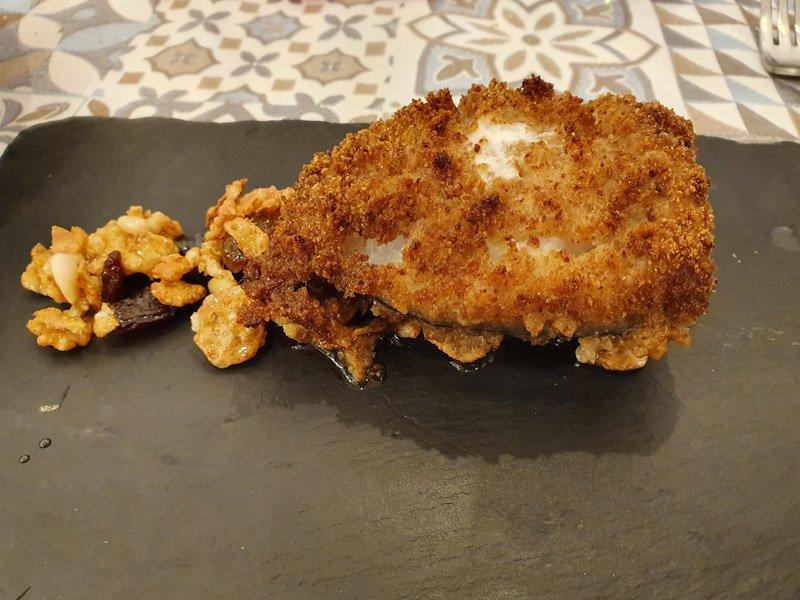 Baccalà Panato con Uvetta e Pinoli