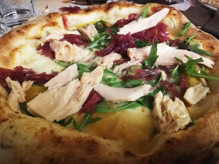 Pizza Tonno Cipolla e Rucola