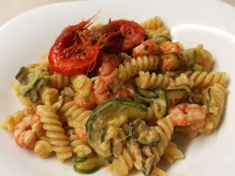 Pasta Zucchine e Gamberetti Cremosa