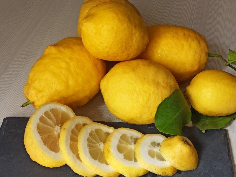 Come estrarre il succo di limone
