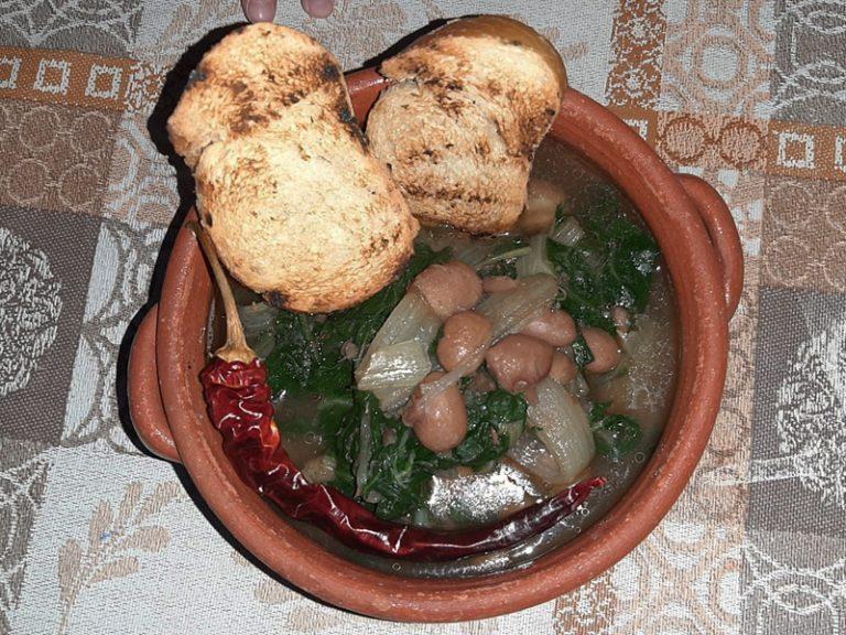 Zuppa fagioli e bietole