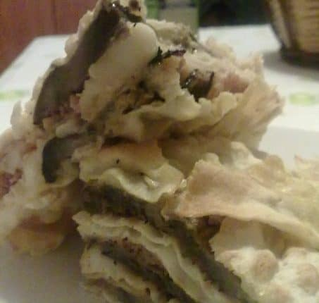 Millefoglie di carasau con prosciutto crudo, melanzane grigliate e dolce sardo